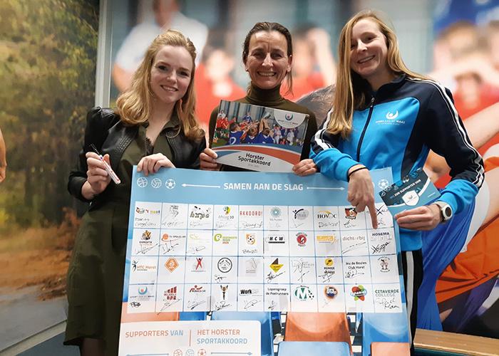 Beweegcoach Chantal samen met twee partners van het sportakkoord